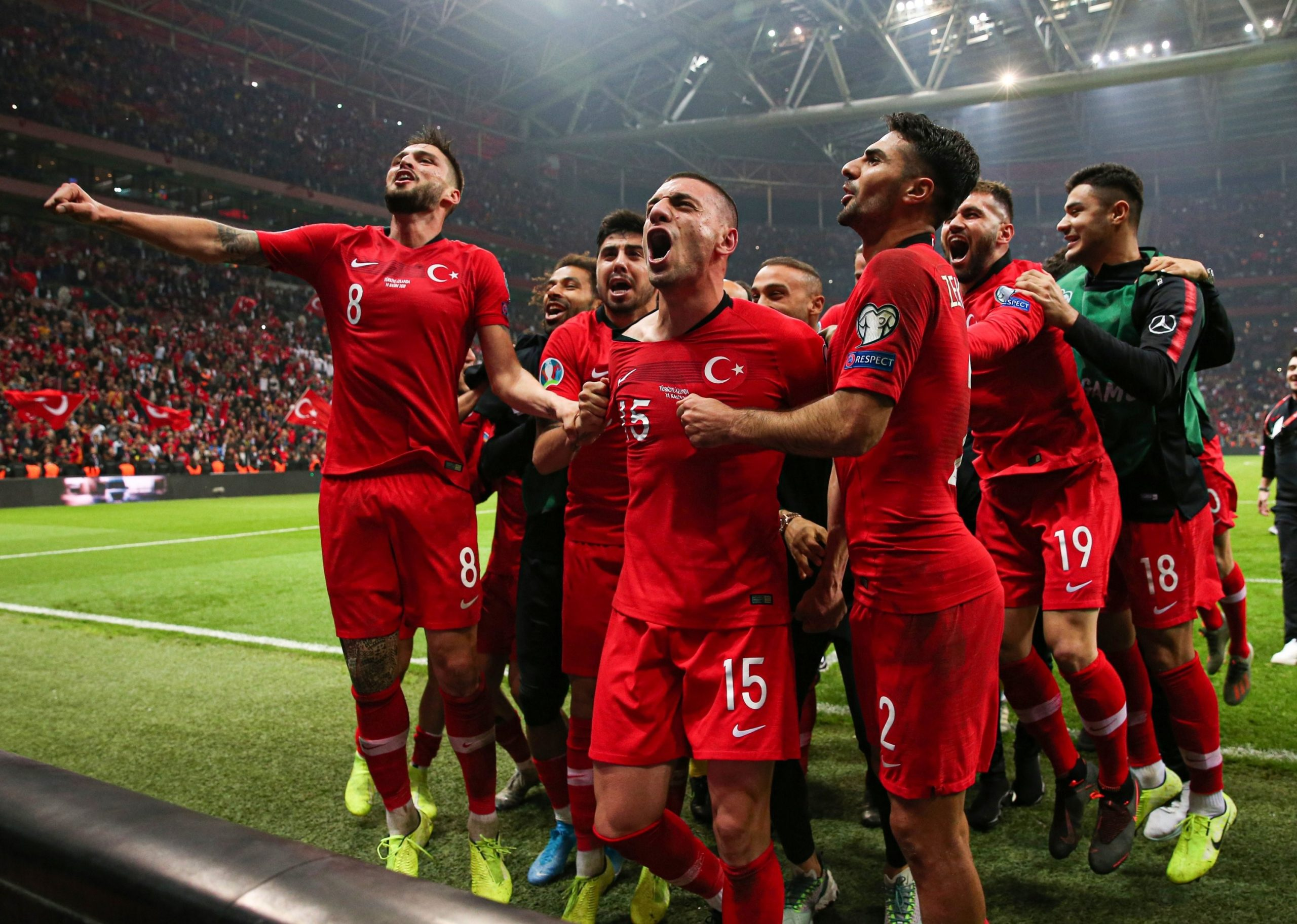 مدرسه فوتبالهای ترکیه اما، راه رسیدن به این آرزو را هموارتر میکنند